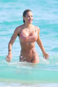jennifer-nicole-lee-photoshoot-in-miami-beach-12-22-2020-0.jpg