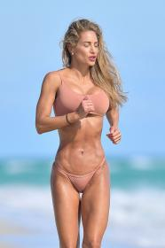 jennifer-nicole-lee-photoshoot-in-miami-beach-12-22-2020-3.jpg