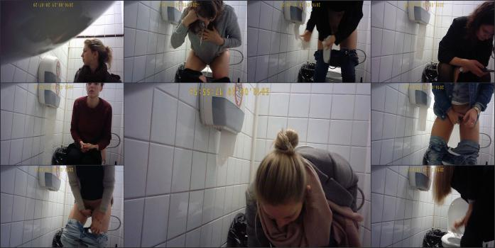 girls pee in the toilet-13 (new)