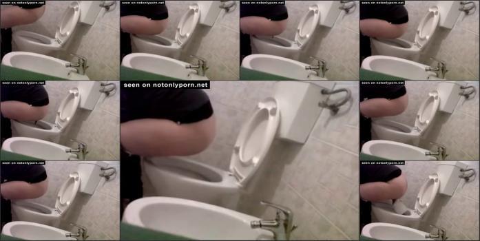 Hidden_camera_in_toilet5_36
