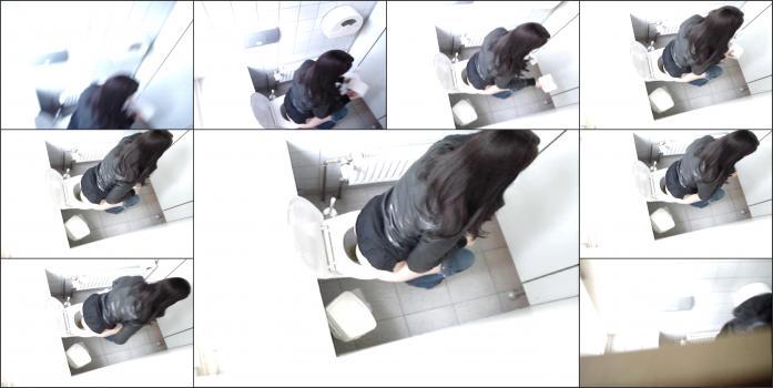 Hidden_camera_in_toilet_88