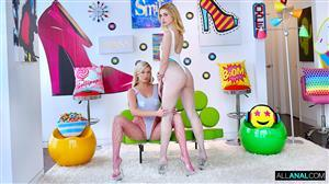 allanal-20-12-27-chloe-cherry-and-adira-allure.jpg