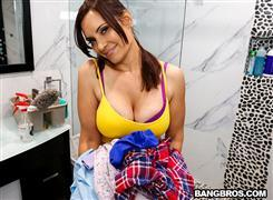 mydirtymaid-20-12-31-gia-grace-new-maid-fucks-for-a-good-tip.jpg
