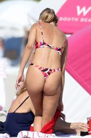 kimberley-garner-in-a-colorful-bikini-at-a-beach-in-miami-01-07-2021-14.jpg