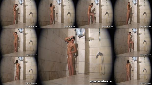 Voyeur-russian_SHOWERROOM 110806