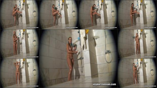 Voyeur-russian_SHOWERROOM 110815