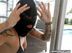 bigtitcreampie-21-01-09-lilith-morningstar-sexy-robber-gets-creampied.jpg
